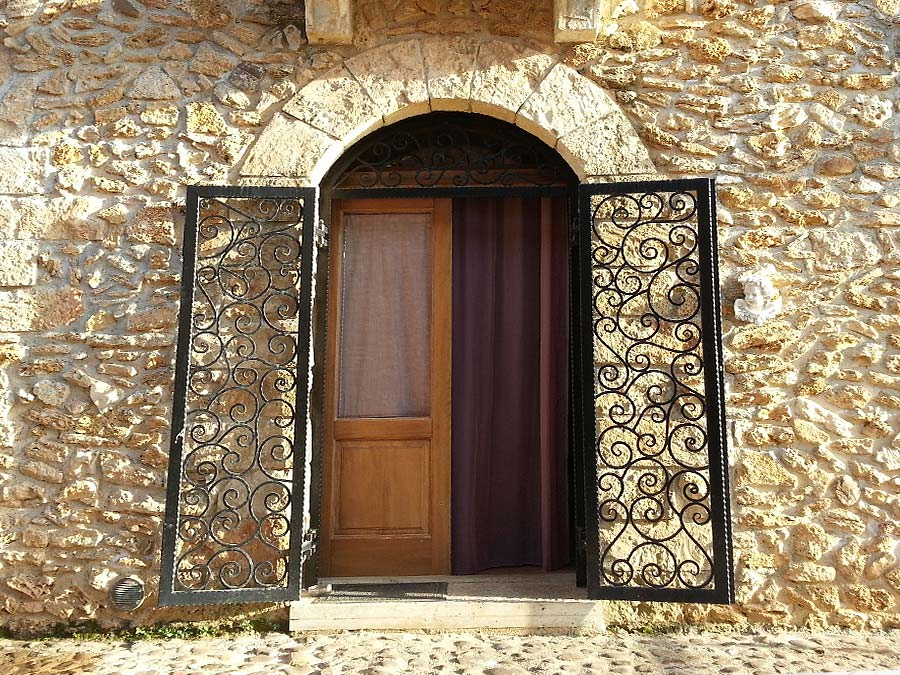 The entrance of Appartamento Verdello in the Borgo delle Olive