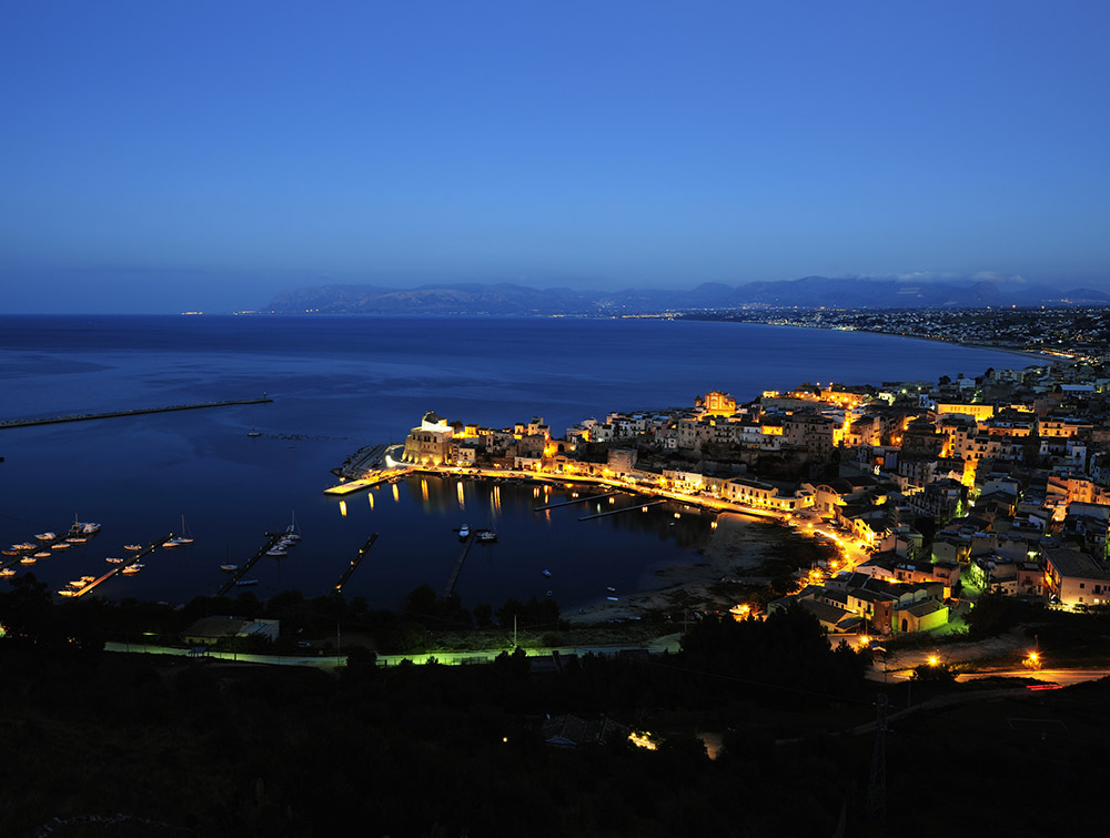 Castellammare del Golfo by night