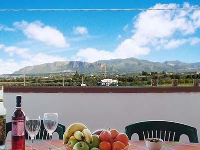 On the terrace of holiday home Casa Corona in Balestrate in Sicily