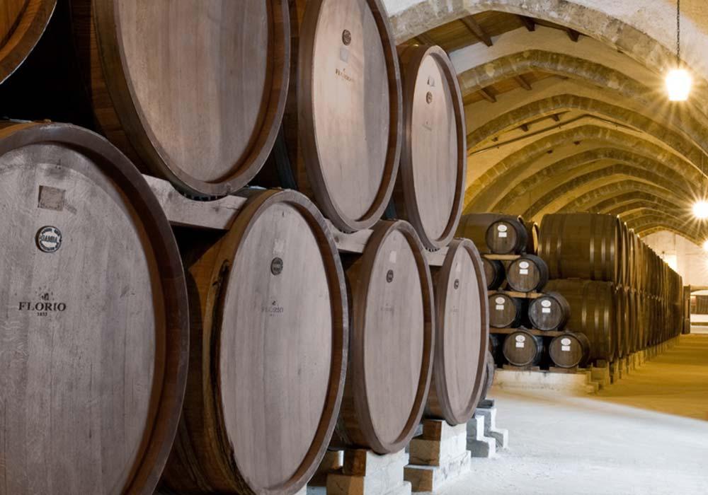 In de wijnkelder van Cantine Florio in Marsala