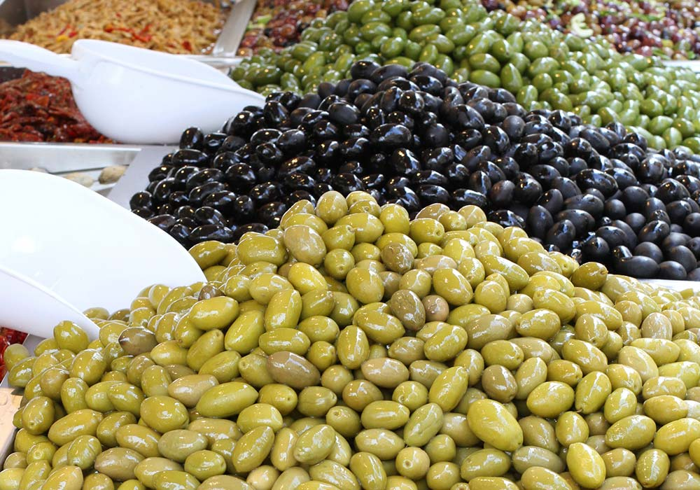 Sicilian olives at the matrket in Palermo