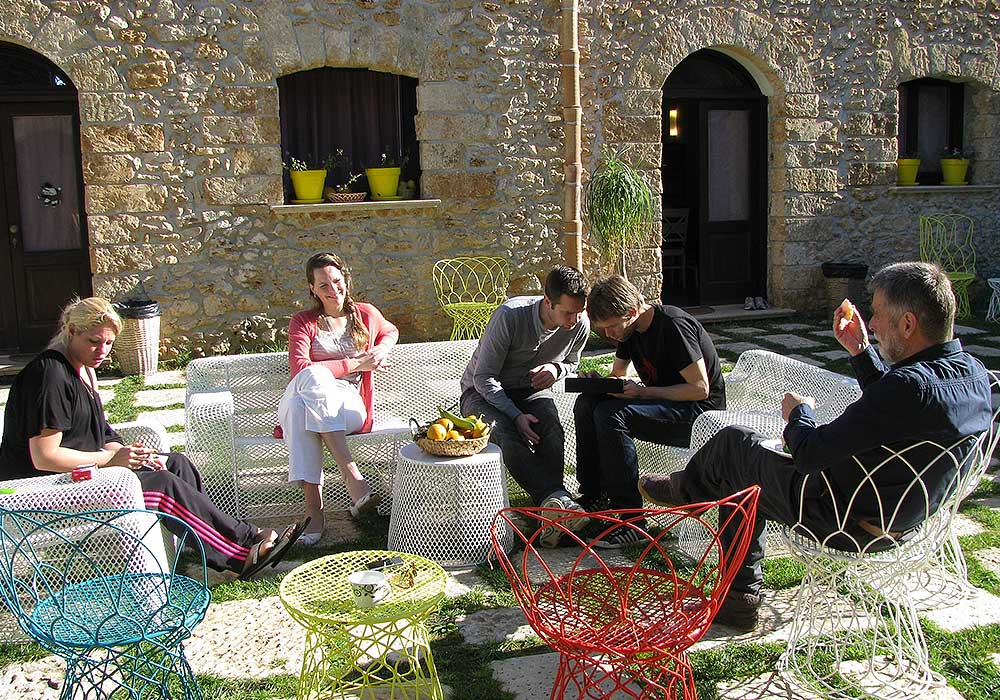Enjoying the sun in the courtyard of the Borgo delle Olive
