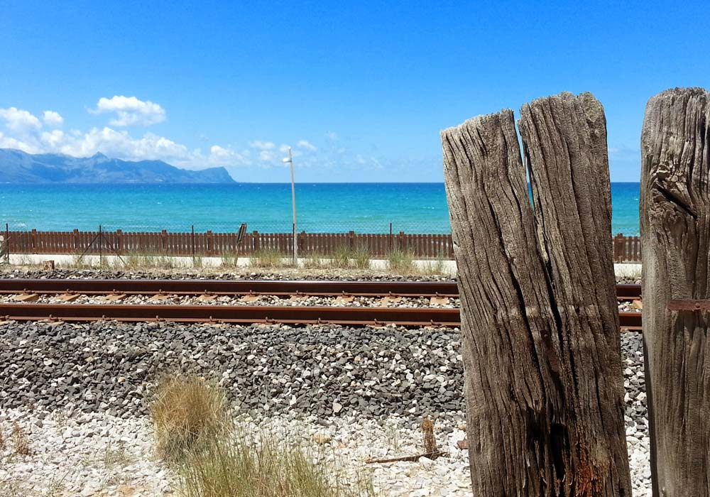 The Golfo di Castellammare seen from the railway tracks