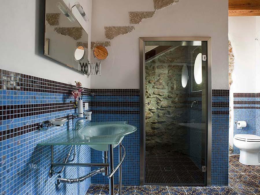 De eerste badkamer van Appartamento Moresca