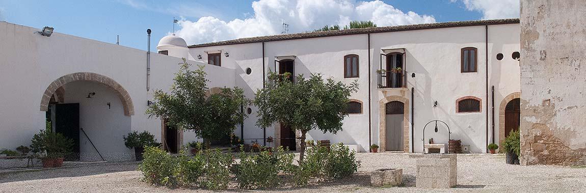 De binnenplaats van de Masseria Mirabile