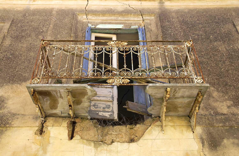 Een balkonnetje in de hoofdstraat