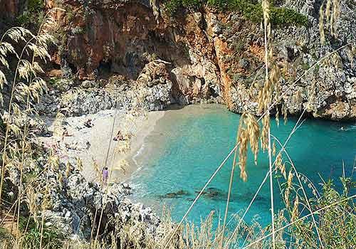 Een van de verborgen strandjes in natuurreservaat Lo Zingaro
