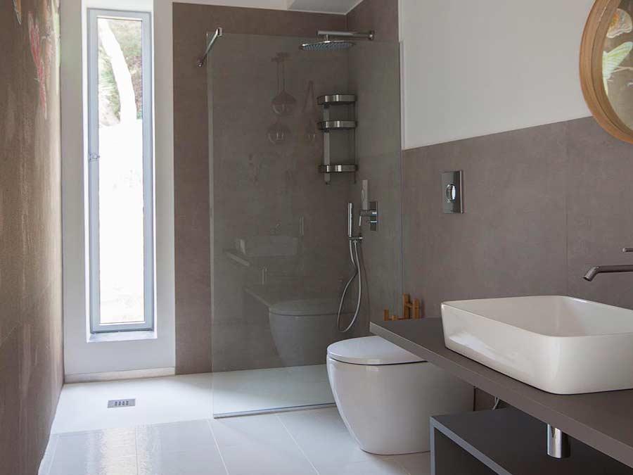 Een van de badkamers van Villa Silene sicula