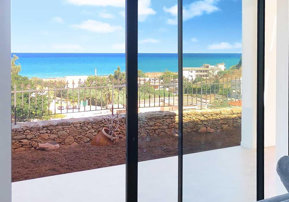 Het uitzicht vanuit de woonkamer van Villa Donnola